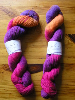 Lornas_laces_getknitted